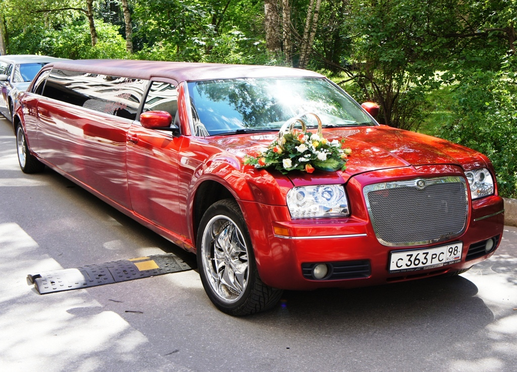 chrysler 300С candy red