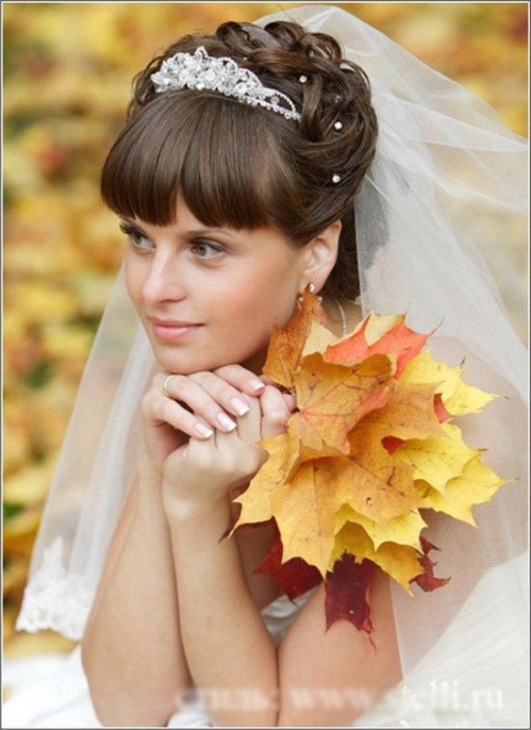 Фото свадебной прически с челкой